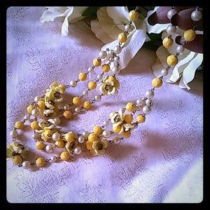 Vintage Faux Pearl & Flower Cluster Bib Necklace